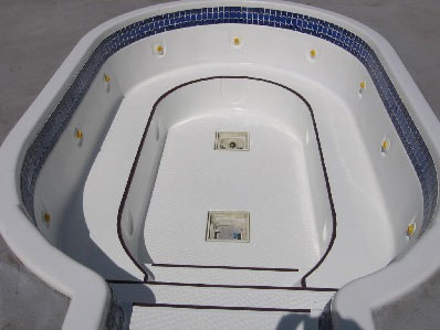 Hot Tub and Jacuzzi - Refinishing and Reglazing in Kelowna-Penticton-Vernon-Salmon Arm-Kamloops